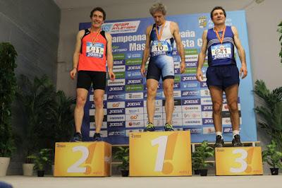 Roberto Aguirrebengoa, de Club Atletismo Fuenlabrada, Campeón de España máster en 200 mts.