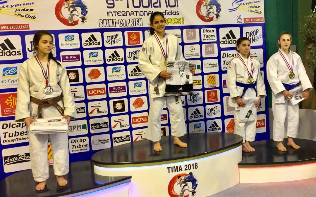 La joven judoka Amanda Sanz, campeona en el Torneo Internacional de judo Saint Cyprien, en Francia